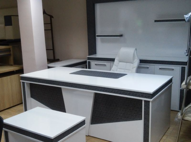 Beyaz Gümüş Masa